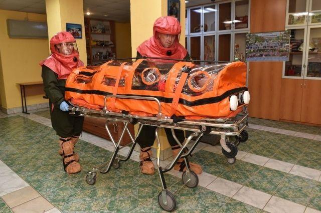 Две недели назад некоторым пациентам приходилось ждать скорую помощь около девяти часов.