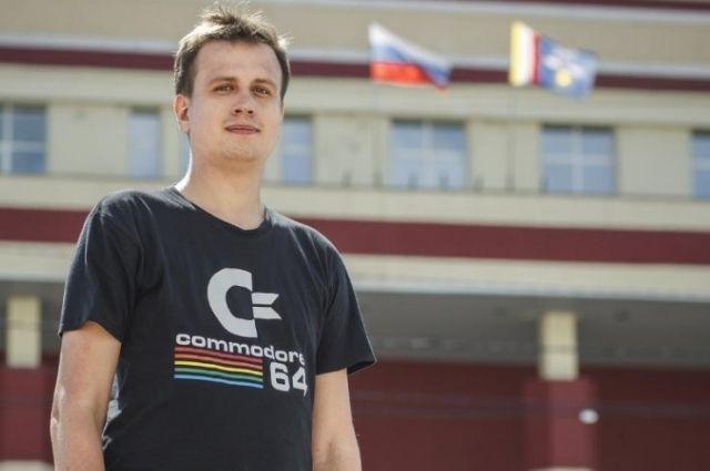 Сергей Зайцев работает над созданием уникальной программы.