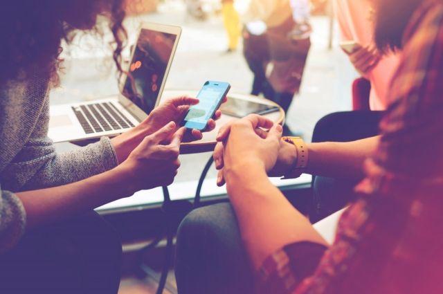 Из опрошенных 54% ходили на свидание с человеком, которого встретили через интернет-сервис знакомств.
