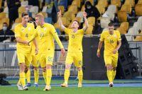 Виктор Цыганков (№15) принес нашей команде историческую победу в матче против сборной Испании