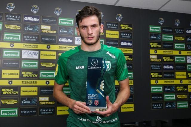 В 19 лет Кварацхелия уже лидер клуба и сборной Грузии.