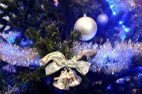 В Салехарде новогодняя елка от «Поляриса» переедет на площадь у «Геолога»