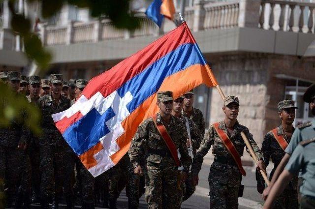 В Нагорном Карабахе продолжаются сражения, - Минобороны Армении