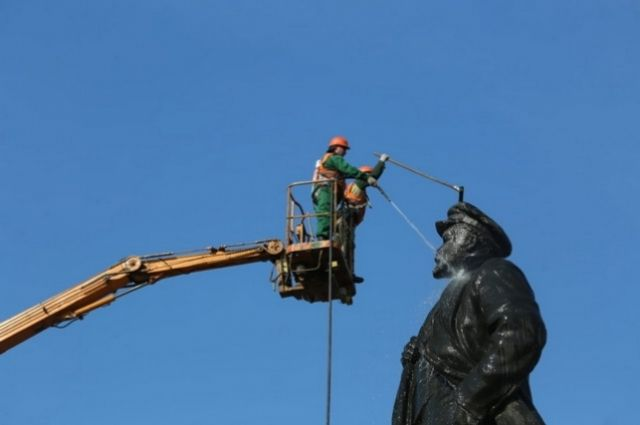 Реконструкция памятника не заврешена.