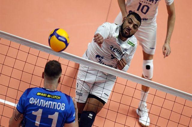 Казанские волейболисты в восьмой раз подряд обыграли одноклубников из Санкт-Петербурга