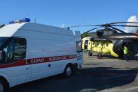 Тюменские медики приняли роды на борту вертолета