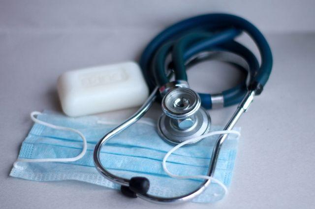Ранее COVID-19 выявляли и у других членов правительства, в том числе у министра здравоохранения.