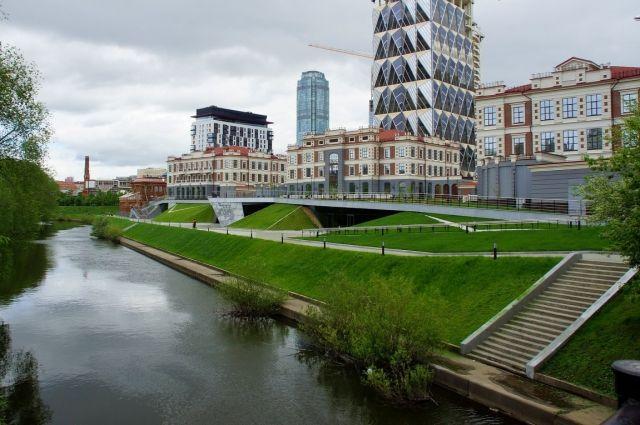 Новая набережная Исети – современный проект, востребованный жителями города.