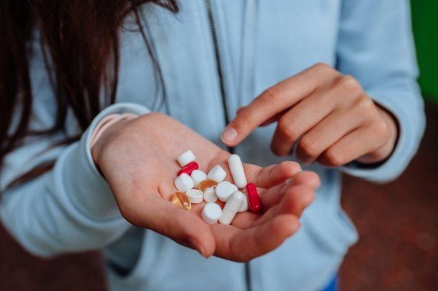 Местные жители отправляют таблетки своим родственникам и друзьям в районы.
