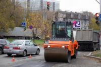Занизил на 90 мм: в Оренбурге сроки сдачи улицы Комсомольской затягиваются из-за ошибки подрядчика.