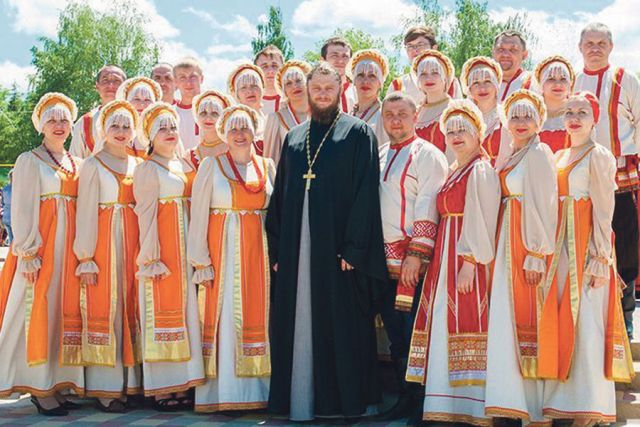 Всех этих людей объединяет одно – любовь к русской песне.