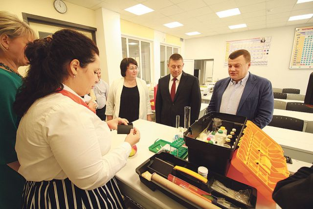 Юные жители Мичуринска имеют уникальную возможность для постижения наук в современных комфортных условиях, уровень подготовки высоко оценил глава администрации области  Александр Никитин.