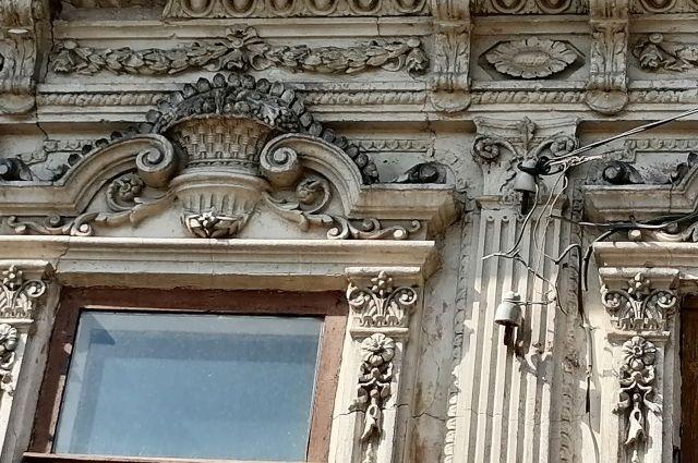 В областном центре ещё есть здания, глядя на которые видишь историю.