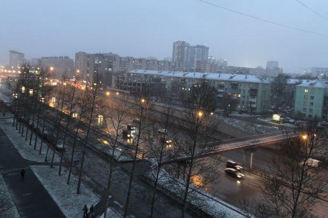 Сегодня ночью, по данным Западно-Сибирского Гидрометцентра, ожидается штормовой ветер. Его порывы могут достигать 20 метров в секунду.