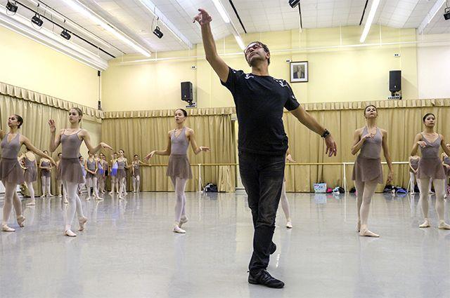 Николай Цискаридзе считает, что невозможно учиться балету по интернету.