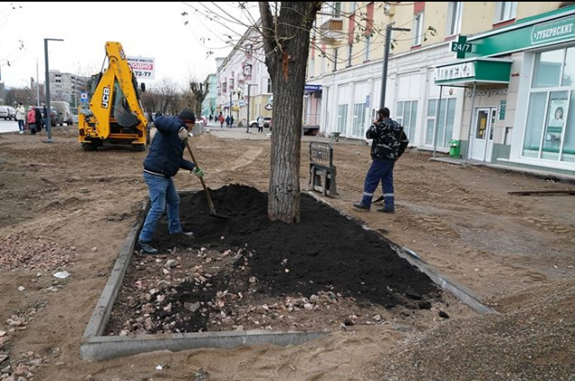Подрядчик в ходе работ уже получил несколько предписаний за неубранный строительный мусор, отсутствие пешеходной доступности.