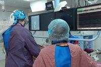 При определенных подтипах ишемического инсульта возможно механическое удаление тромба.