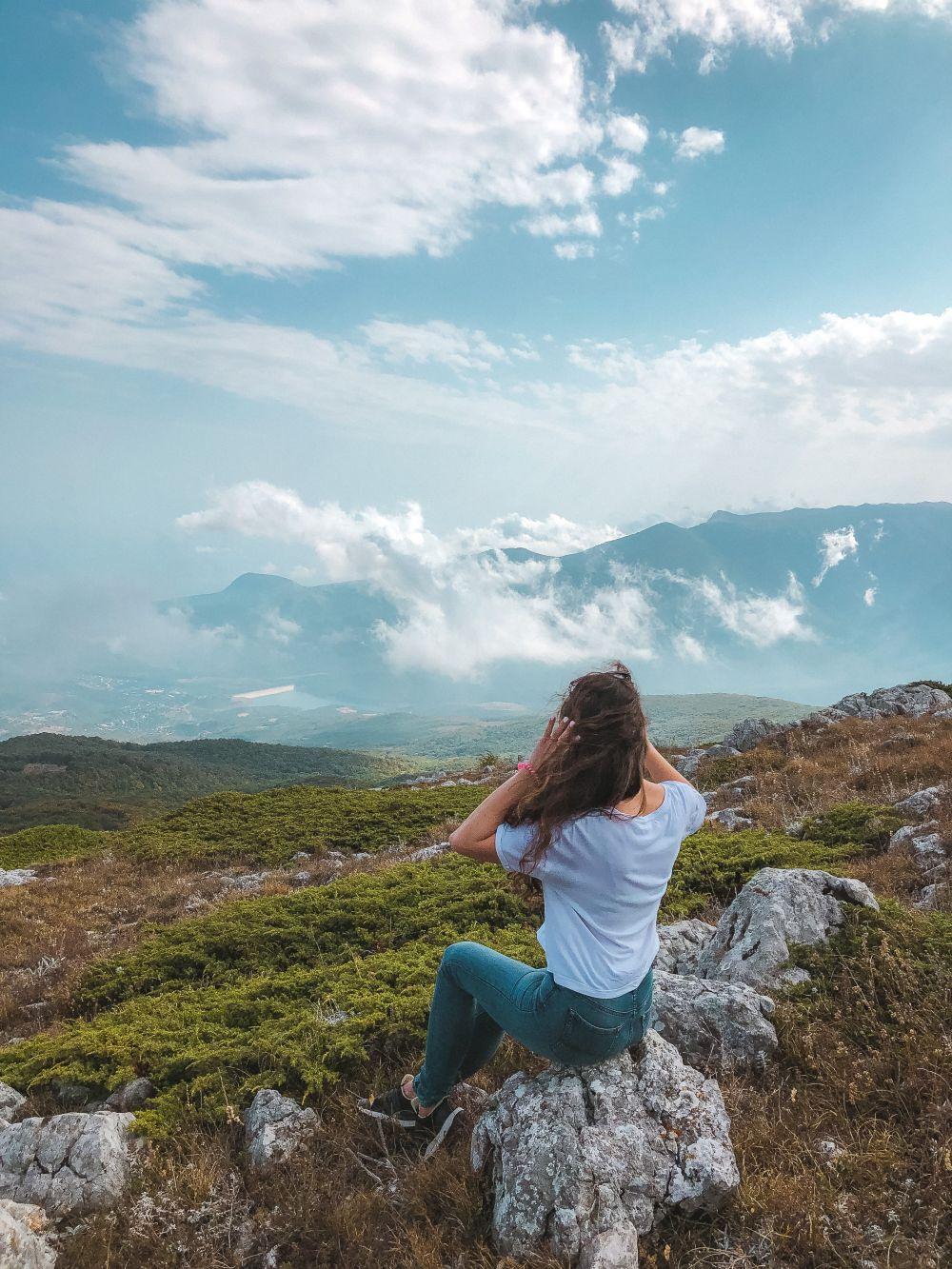 Подъем с Ангарского перевала занимает около 2,5-3 часов.