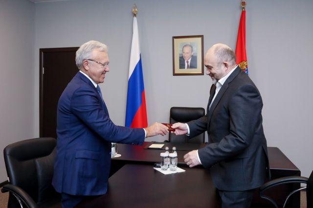 Евгению Васильеву 65 лет, он родился во Владимирской области.