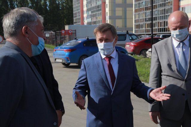 Мэр Новосибирска Анатолий Локоть выступил на конференции об экономических проблемах, возникших в сибирских и дальневосточных городах из-за пандемии коронавируса.