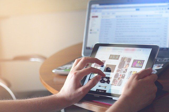 Тюменцы предпочли электронные карты бумажным