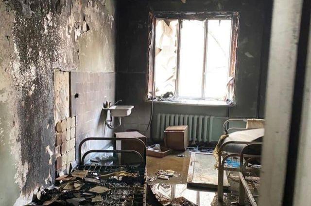Фото после пожара в ковидном отделении ГКБ №2 Челябинска напоминает снимок военной хроники.