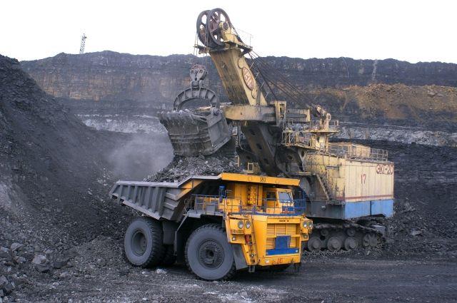 Компания «ЕВРАЗ» получила лицензию на добычу угля на участке Кумзасский 1-2 Кумзасского угольного месторождения в Междуреченском городском округе.