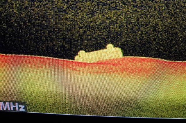 Затонувшую машину нашли в 300-400 метрах от берега.