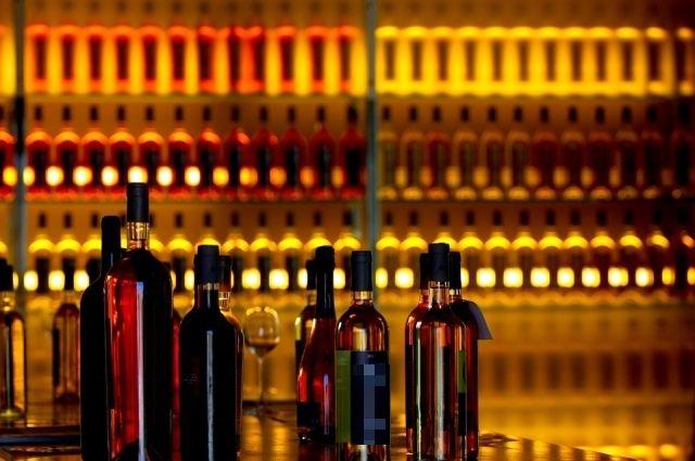 В илекском магазине продавали алкоголь несовершеннолетним.