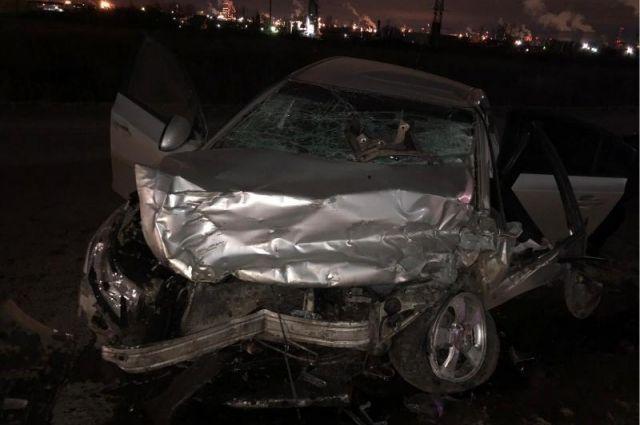 По предварительной информации, водитель легковушки не справился с управлением.