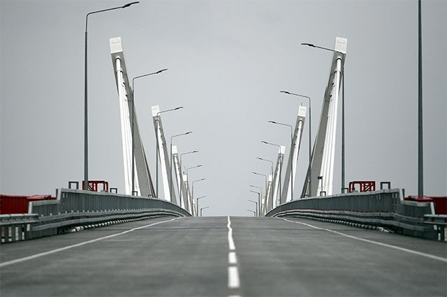 17 августа 2020. Автомобильный мост через Амур между Благовещенском и китайским Хэйхе.