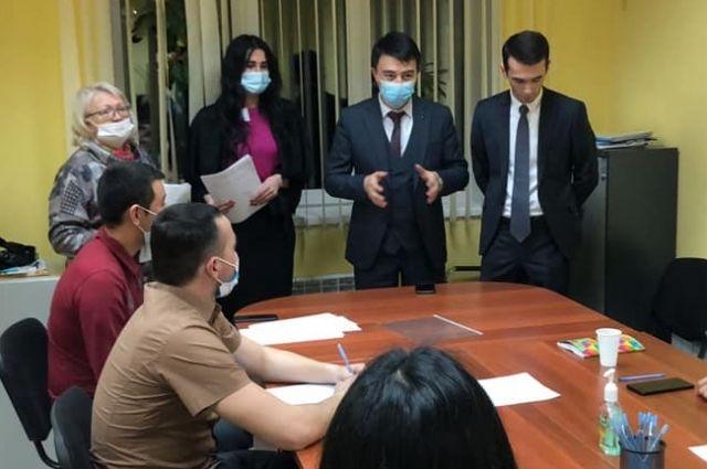 В Новосибирске проходят курсы русского языка для граждан Узбекистана.