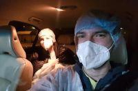 Водители делают селфи с врачами, чтобы привлечь к акции внимание новых добровольцев.