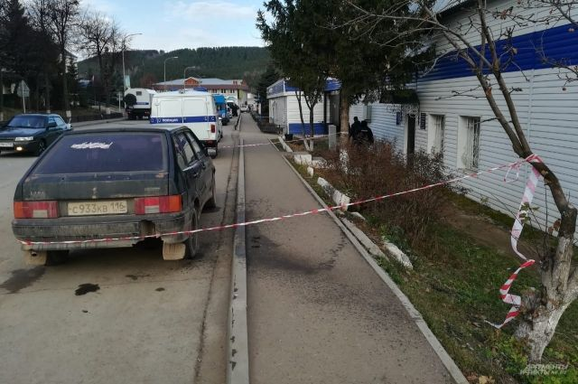Подросток напал на отдел полиции ночью 30 октября.