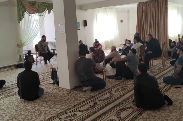 Если прихожане не будут носить маски, мечети могут закрыть