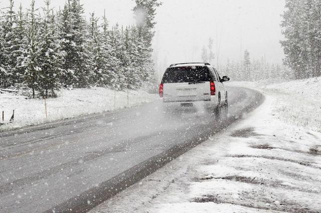 ГИБДД просит водителей подготовить машины к зиме.