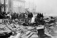 Разрушенные улицы после Кронштадтского восстания вовремя Революции 1905года.