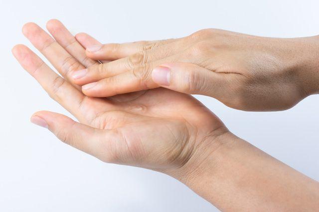 Как сохранить молодость и красоту рук?