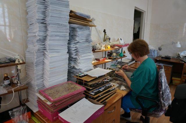 В Оренбургском ковид-центре дочь умершего пациента не может получить вещи и документы отца.