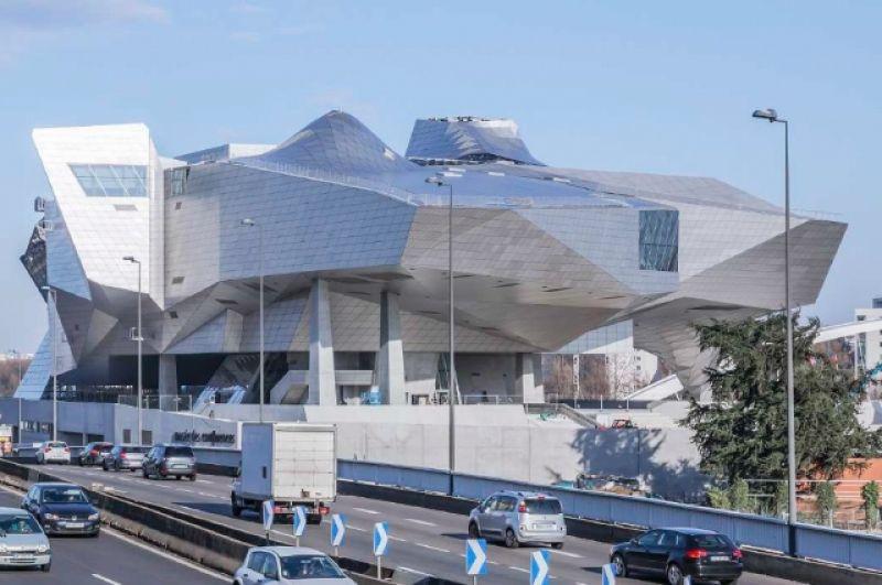 Проект во Франции: музей Слияний в Лионе (2012-2014, Coop Himmelb(l)au).