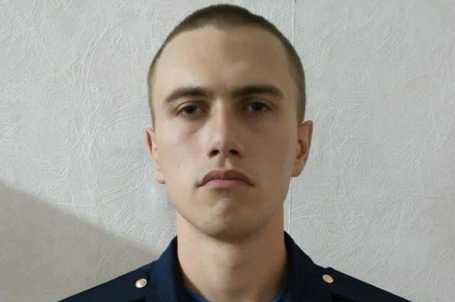 Антон Макаров проходил на аэродроме «Балтимор» срочную службу.
