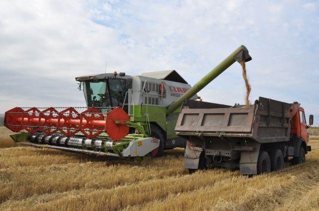 Без техники фермеру никуда.