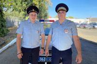 Капитан полиции Вадим Аванесян и лейтенант полиции Юрий Селин спасли в этом году ребенка.