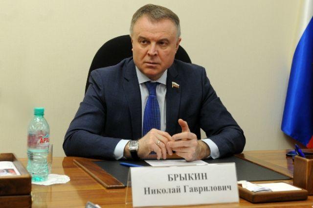 Николай Брыкин взял на контроль обращения тюменцев по вопросам ЖКХ