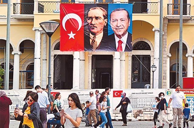 «Отцы нации»: Ататюрк и Эрдоган.