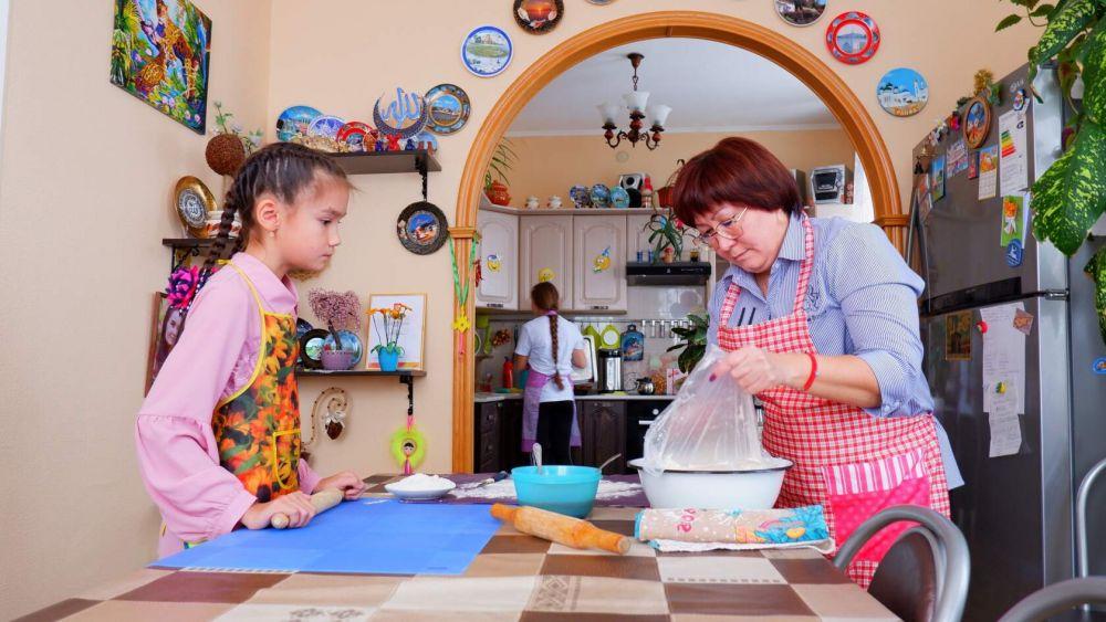 Танзиля Ахметжанова с дочкой