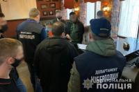 В Ивано-Франковске иностранец обманывал женщин и торговал наркотиками