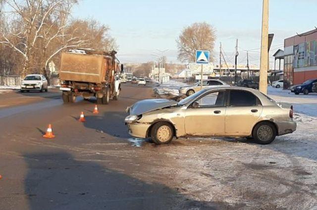 В ДТП пострадал водитель и 30-летняя пассажирка легковушки.