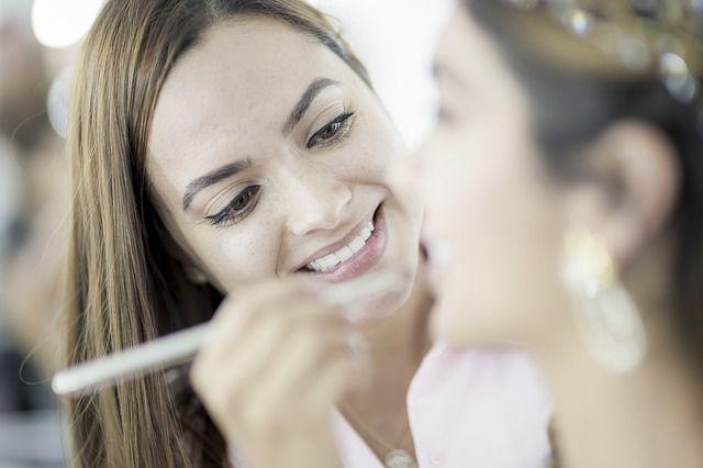 В Омской области наибольшее количество самозанятых зарегистрировано в сферах красоты и здоровья.