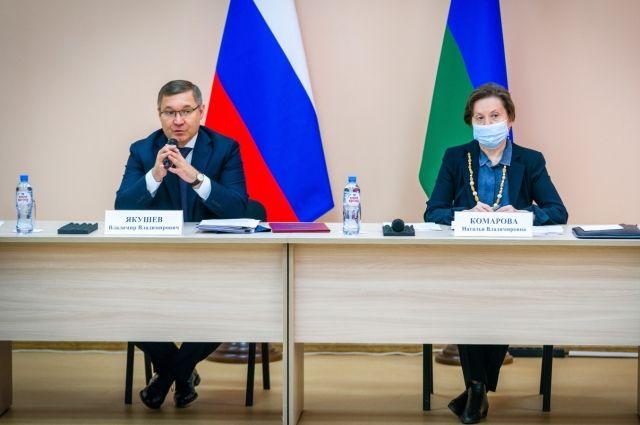 Владимир Якушев во время рабочего визита в Белоярский район